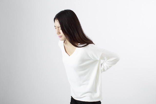 和歌山市で背中の痛みの改善|人気の整体院美容整体サロンSmile
